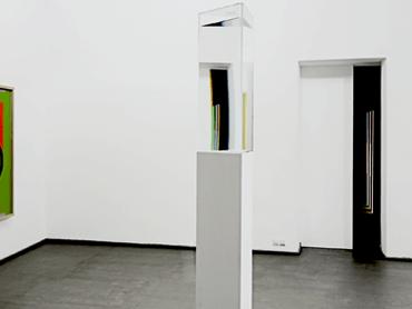 26_Exhibition_Light_Installation_Prism_Ingo_Nussbaumer_Galerie_Vartai_Litauen