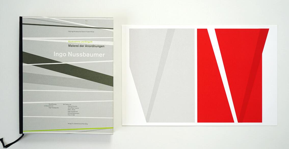 Zeigt eine aufgeschlagene Monografie von Ingo Nussbaumer